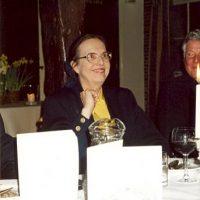De administrateur van het Hoogewerff-Fonds, mevrouw C.M. van der Loo-Vreeburg.